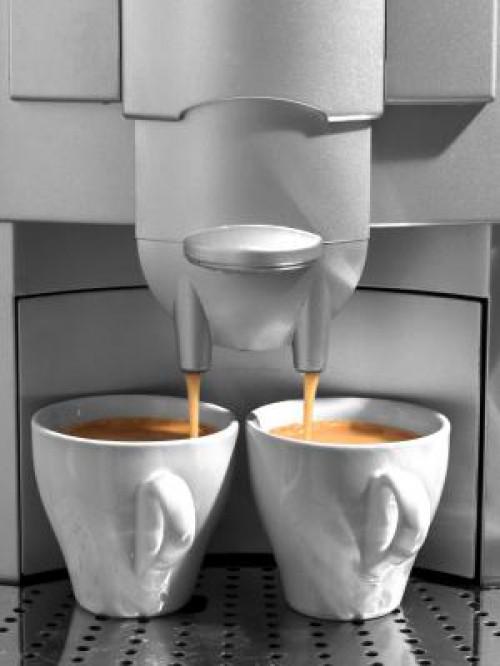 Freisetzung von Metallen aus Kaffeemaschinen und elektrischen Wasserkochern