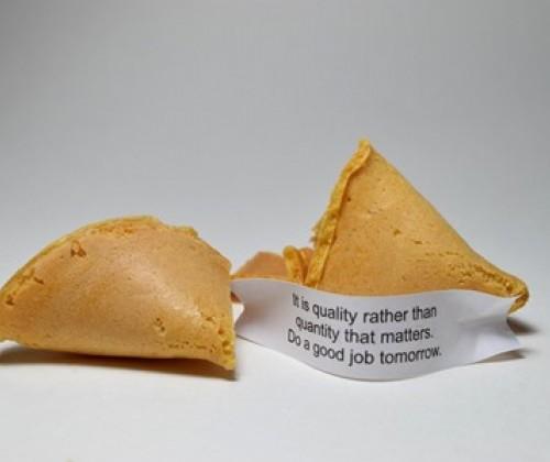 Glückskekse: Mineralölrückstände in Papierstreifen?