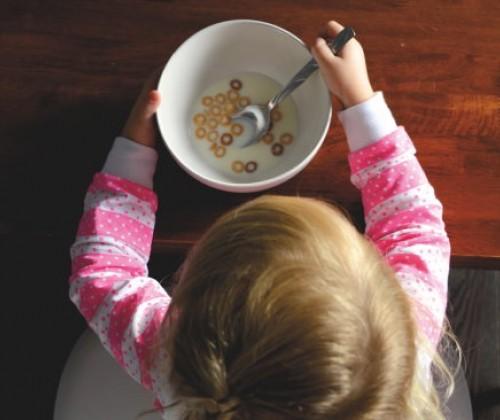 Strenge Regeln für Kinderlebensmittel gefordert